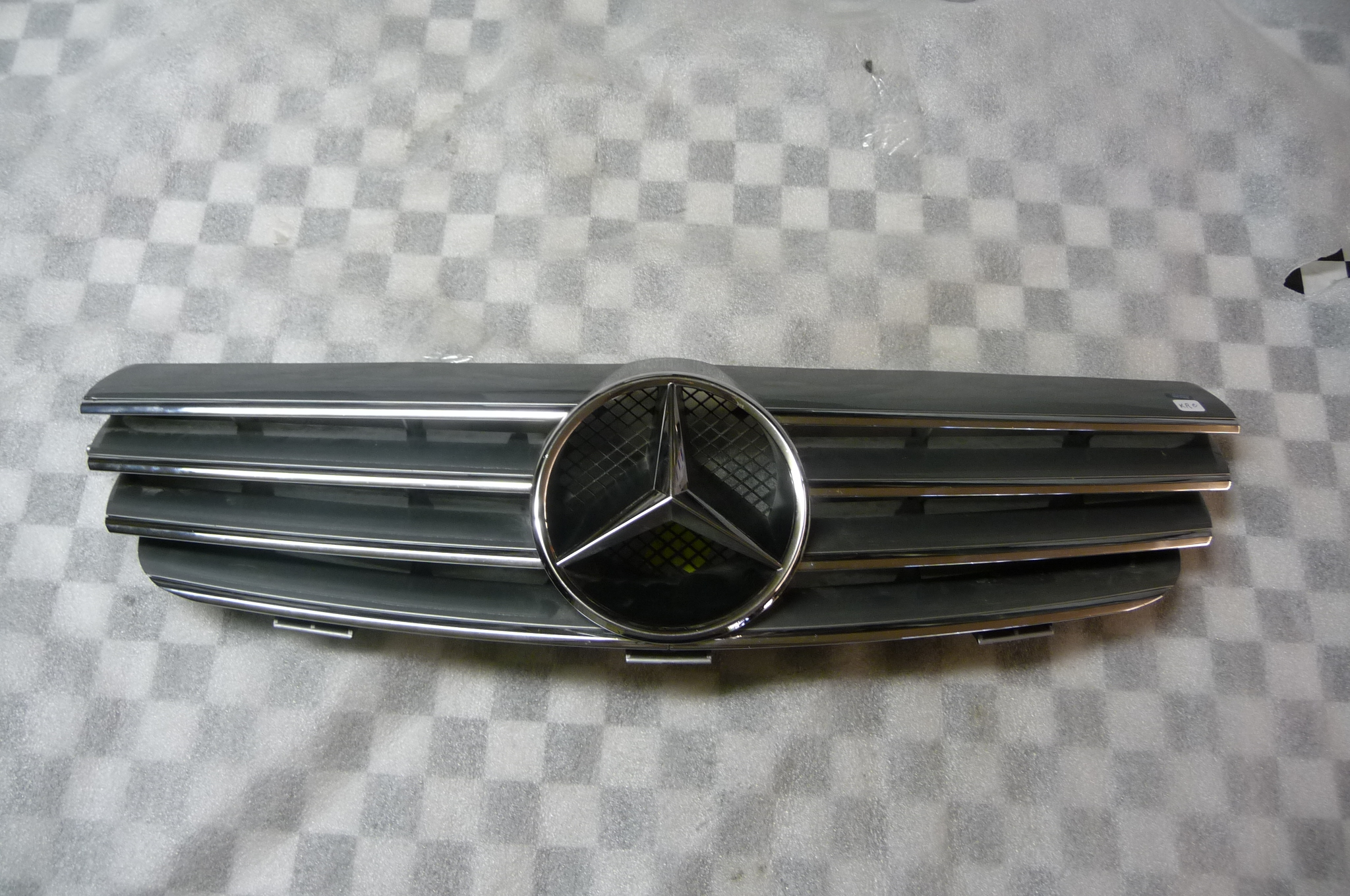 Mercedes Benz CLK Class W209 Front Radiator Grille Grill 2098800383 7246 OEM OE