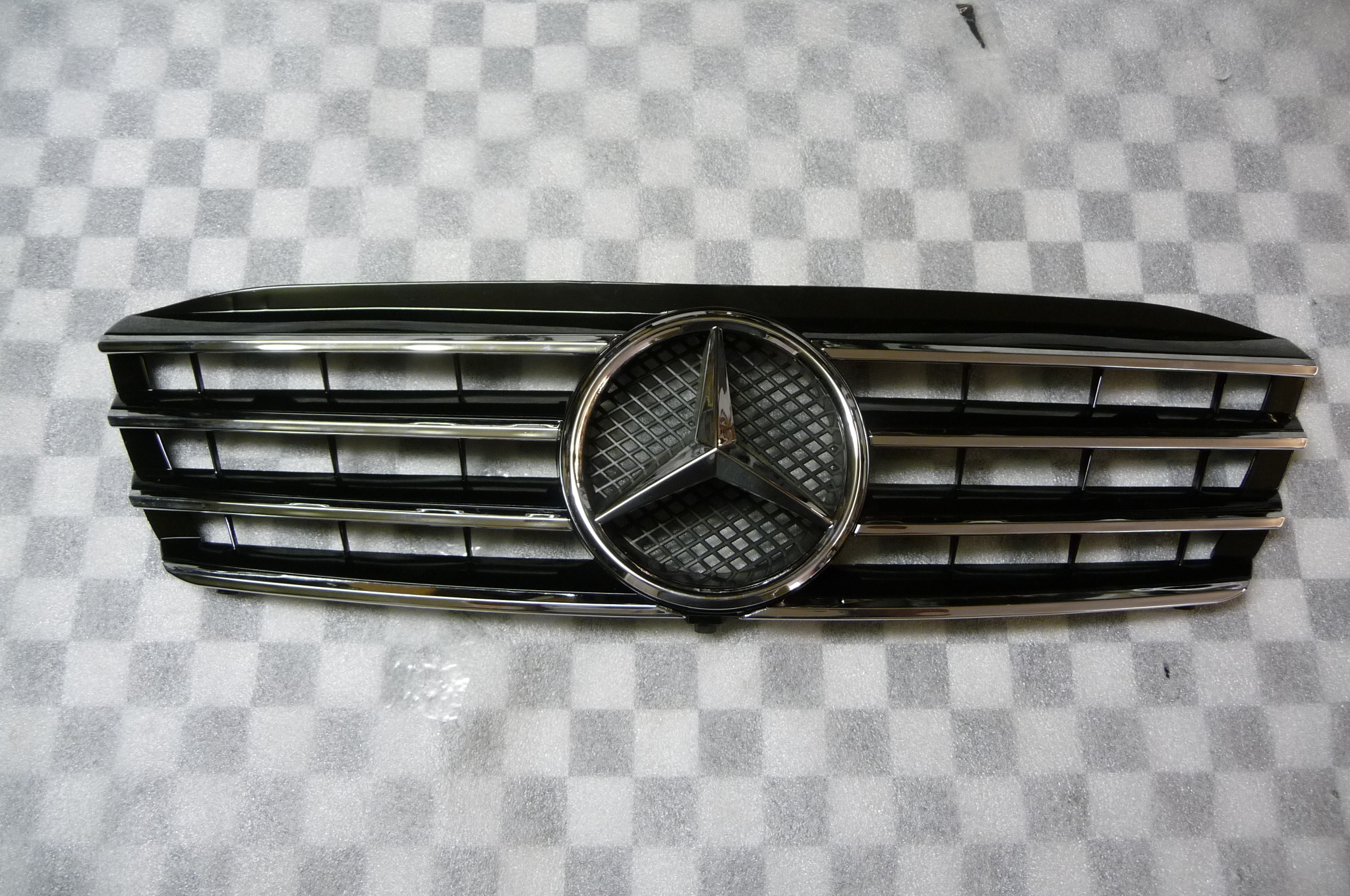 Mercedes Benz C Class W203 AMG SPORT Front Chrome Black Front Grill Grille