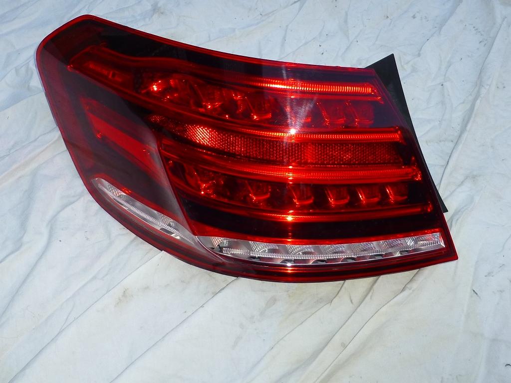 Mercedes Benz E Class W212 Rear Left Outer Taillight Light Lamp A 2129061303 OEM