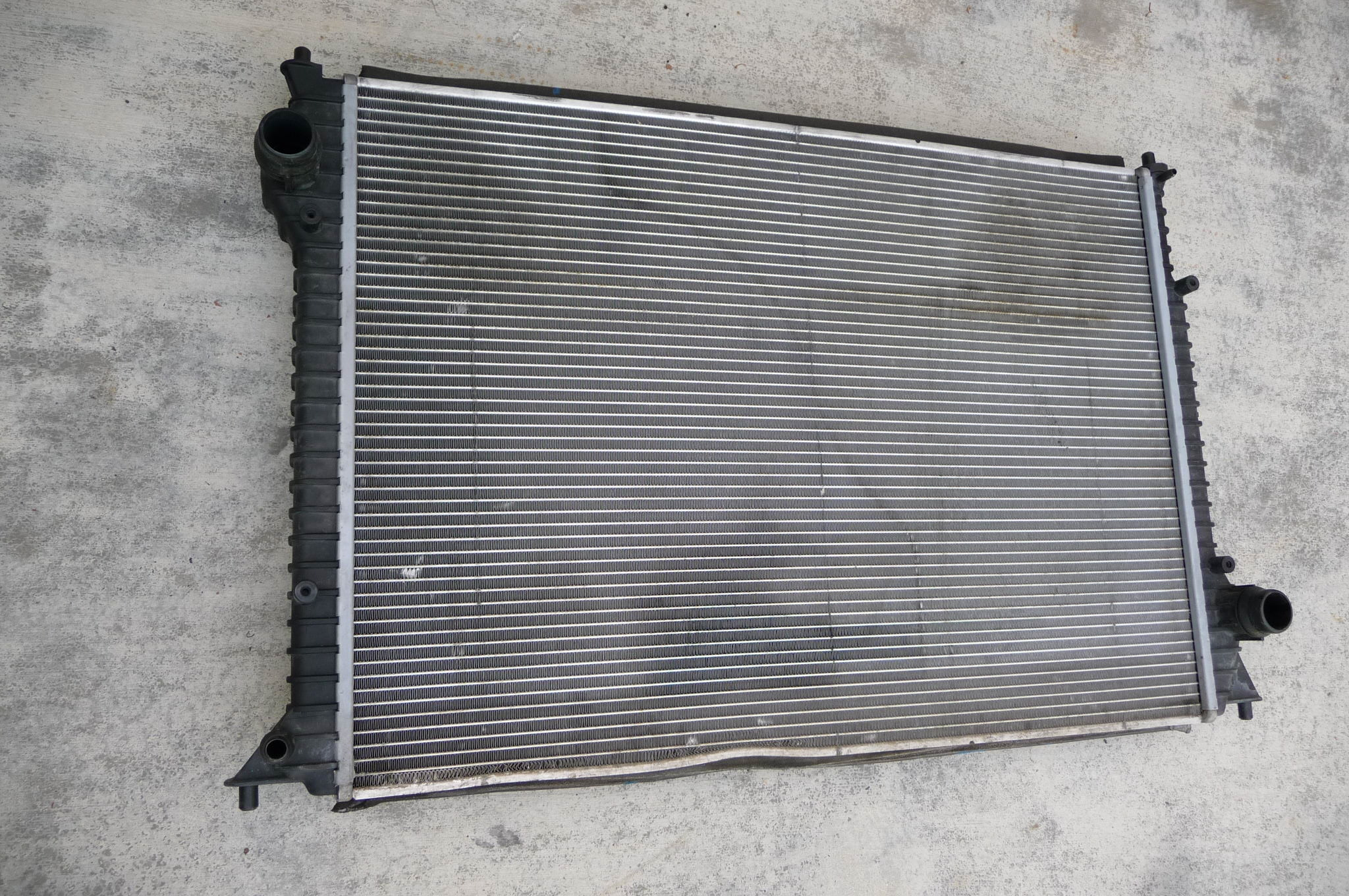 Bentley GT GTC Flying Spur Engine Radiator Cooler 3W0198115G OEM OE