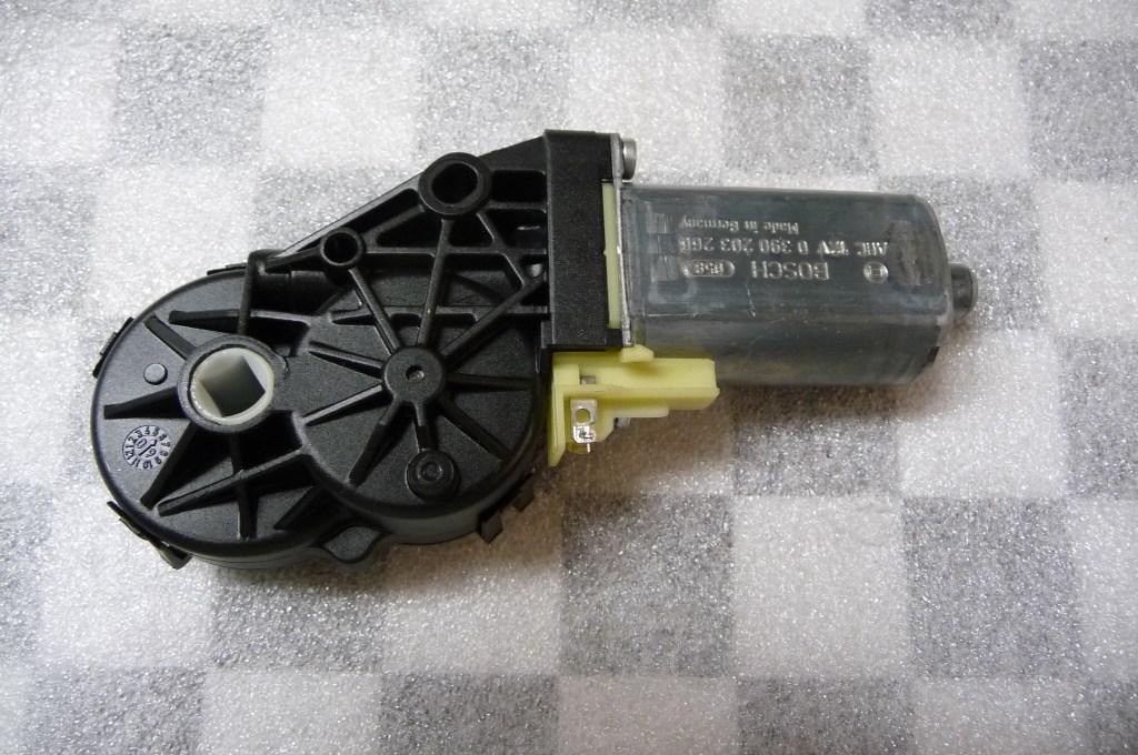 2007 2008 2009 2010 2011 2012 2013 BMW E93 M3 328i 335i Convertible Folding Top Locking Mechanism Drive 54377171222 OEM