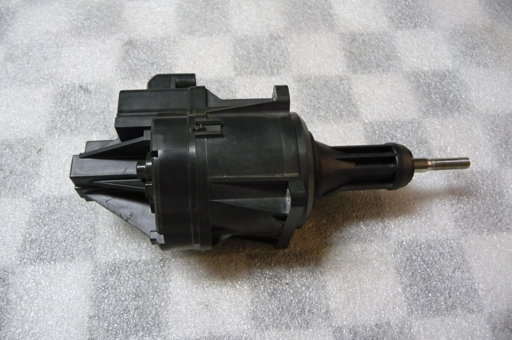 2014 2015 2016 BMW F25 F26 X3 X4 Exhaust Manifold Turbo Charger Drive (Pump Only) 11657643115 OEM OE
