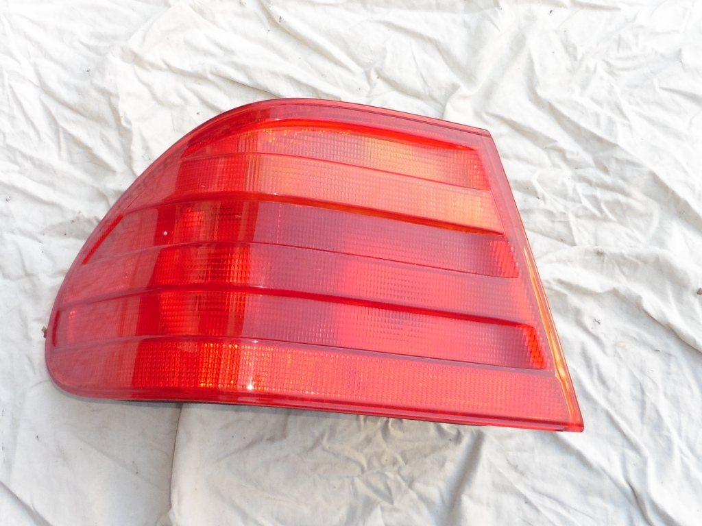 Mercedes Benz E Class Rear Left Taillight Tail Lamp Outer Part A 2108204564 OEM