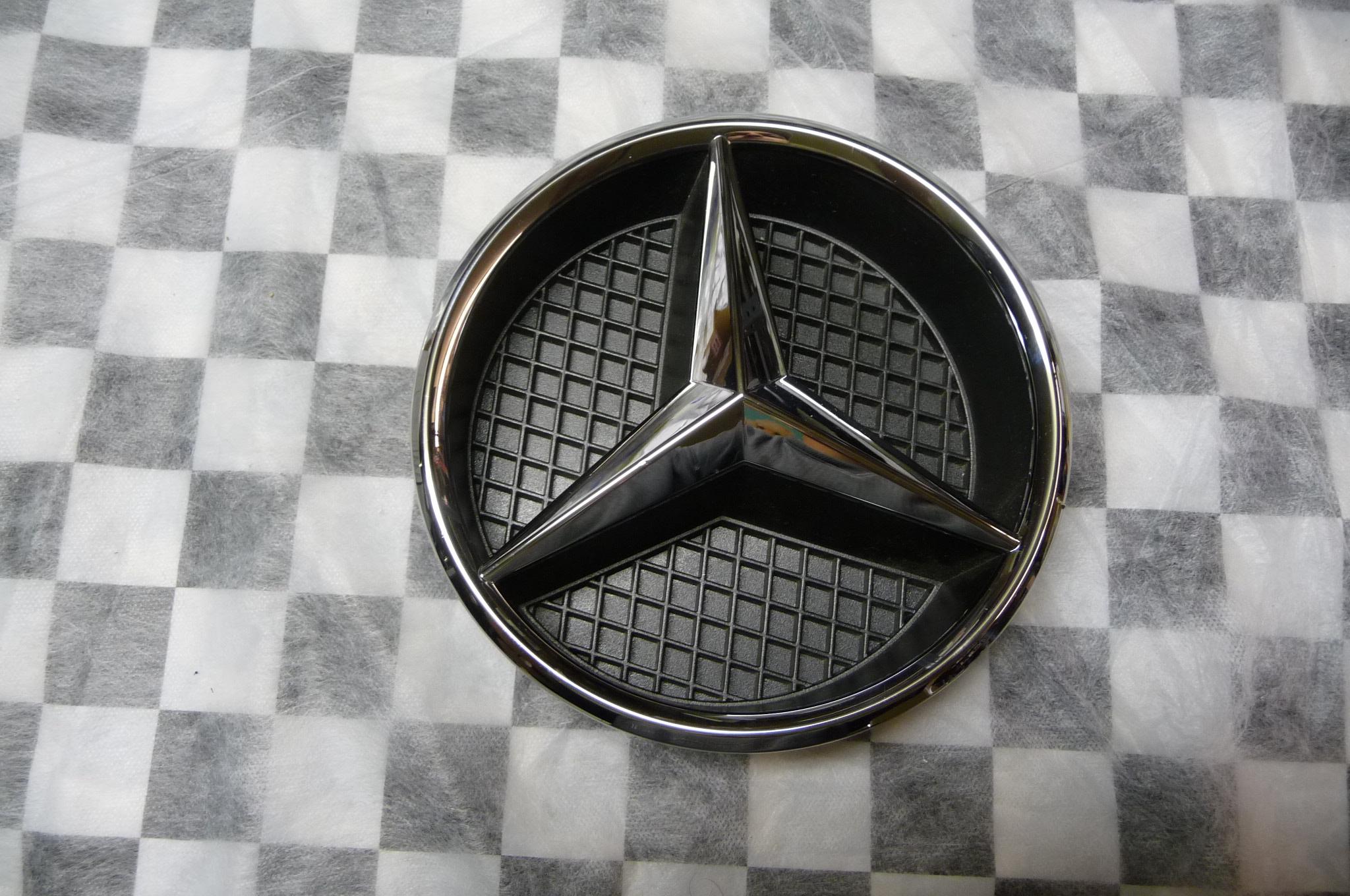 Mercedes Benz C CLA GL ML R Class Front Grille Star Emblem A0008880060 OEM
