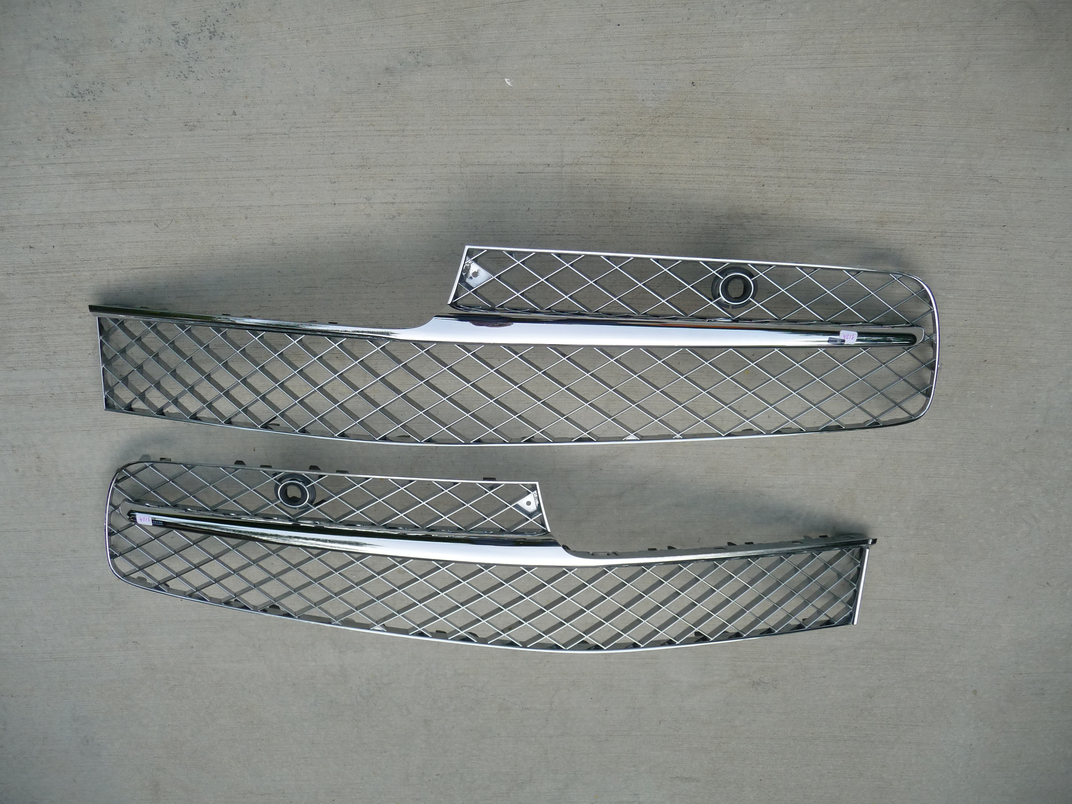 Bentley Flying Spur Sedan 4 Door Front Grille Grill Chrome Left and Right - Used Auto Parts Store | LA Global Parts