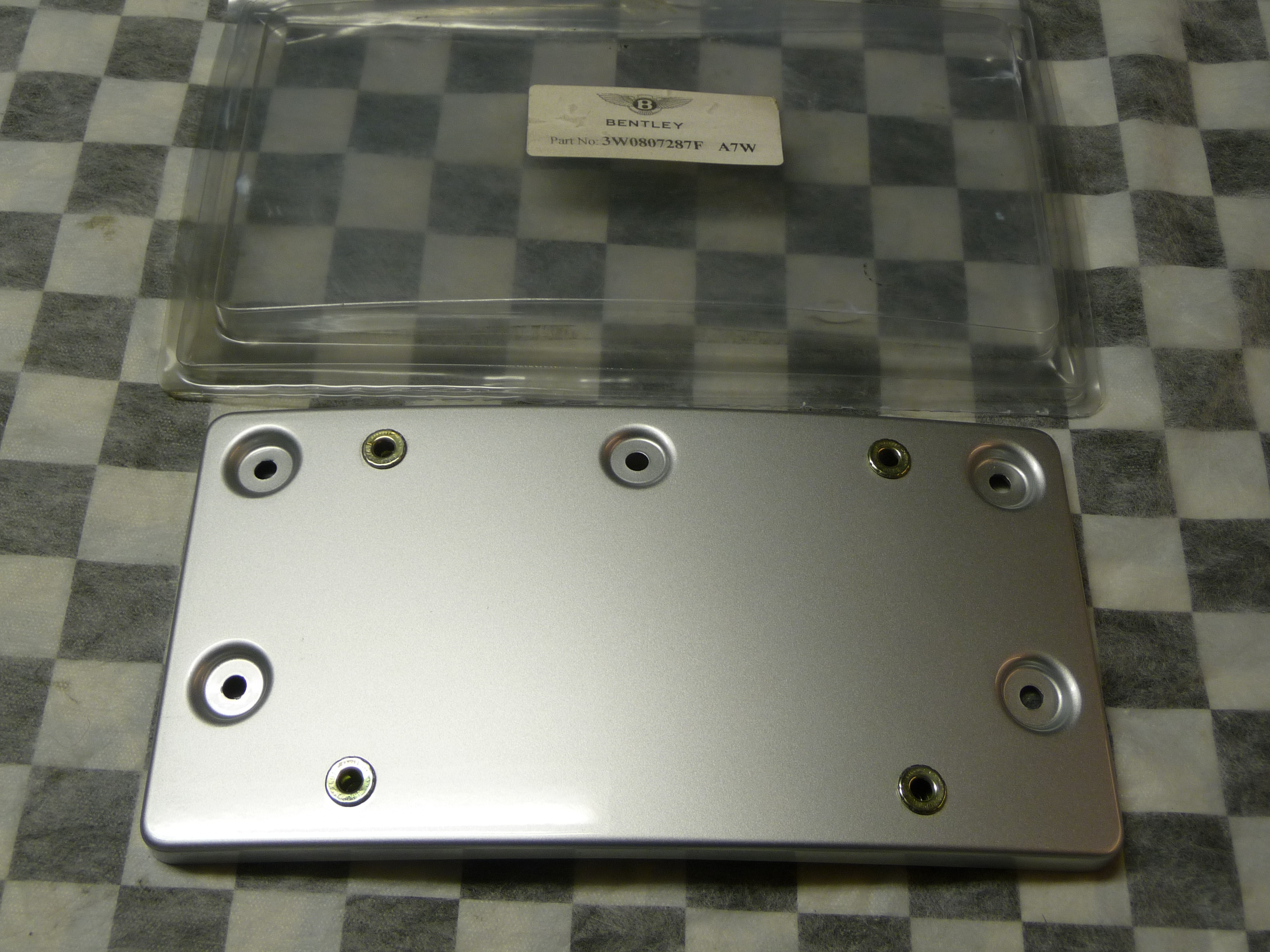 Bentley Continenta GT GTC Front Bumper License Plate Moulding 3W0807237 OEM OE