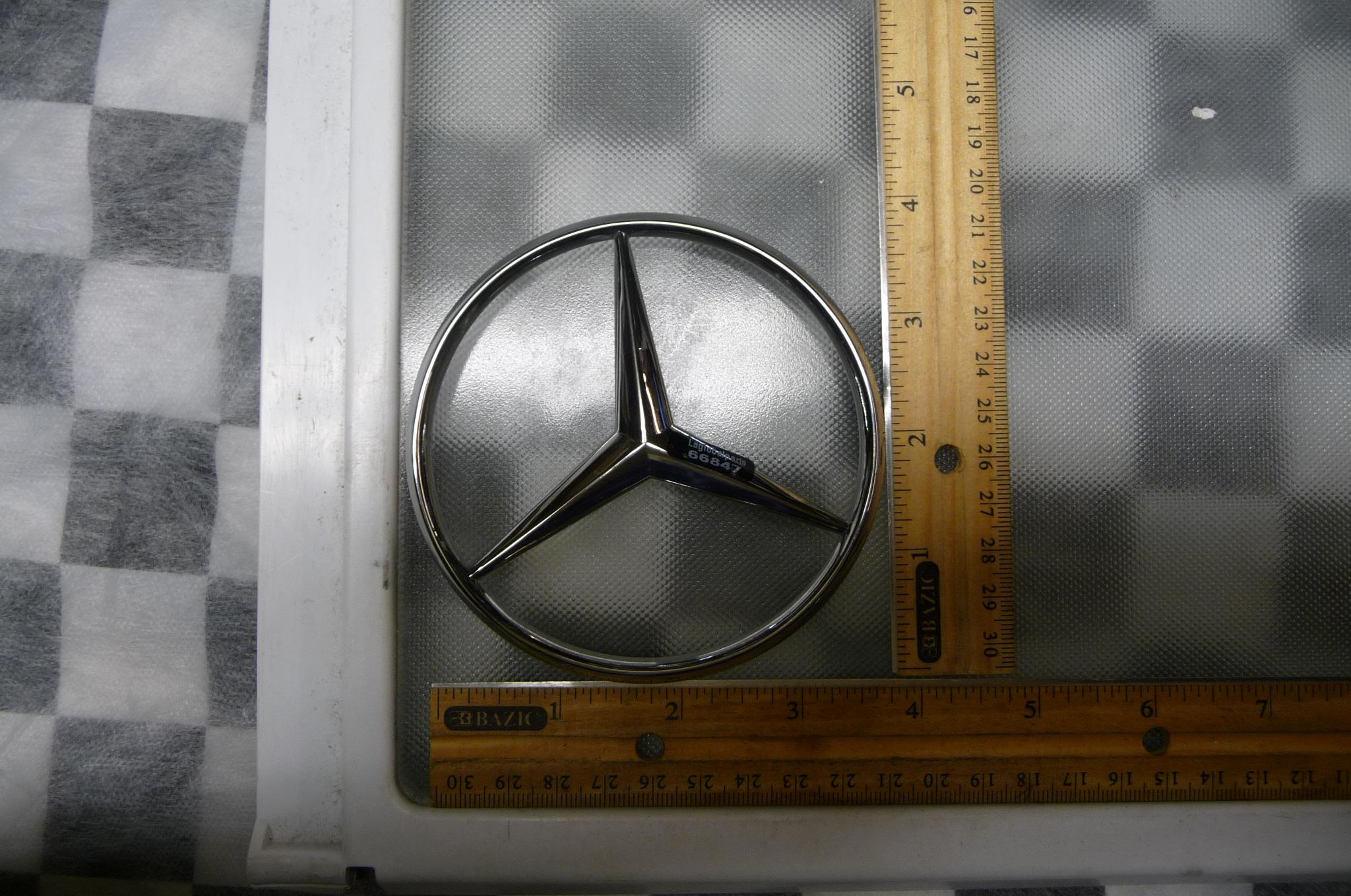 Mercedes Benz W201 E Class 190E Trunk Rear Lid Emblem Badge Nameplate 2017580058