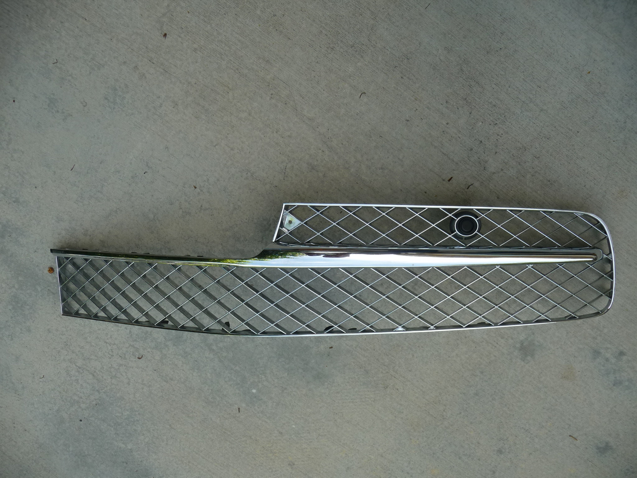 2013 2014 2015 2016  Bentley Flying Spur Sedan 4 Door Front Grille Grill Chrome Left - Used Auto Parts Store | LA Global Parts