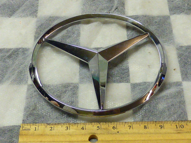 2006 2007 2008 2009 2010 2011 2012 Mercedes Benz GL450 ML350 ML500 Rear Door Trunk Lid Emblem Star Sign Badge A1648170016 OEM