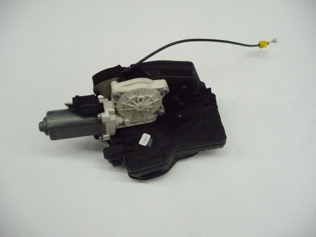 2003 2004 2005 2006 2007 2008 BMW E65 E66 745i 745Li 750i 750Li 760i 760Li Right Front Door Complete Lock Actuator Motor 51217202136 ; 51217169250; 51218240572 OEM OE