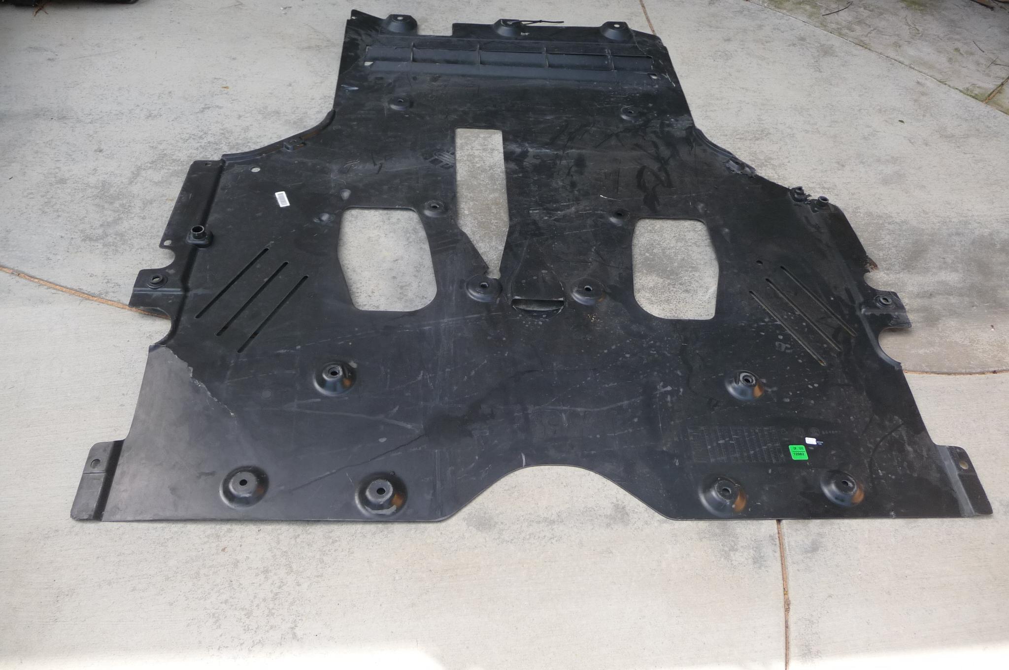 Ferrari F12 Berlinetta Complete Shield Cover for rear part 83360900 OEM OE