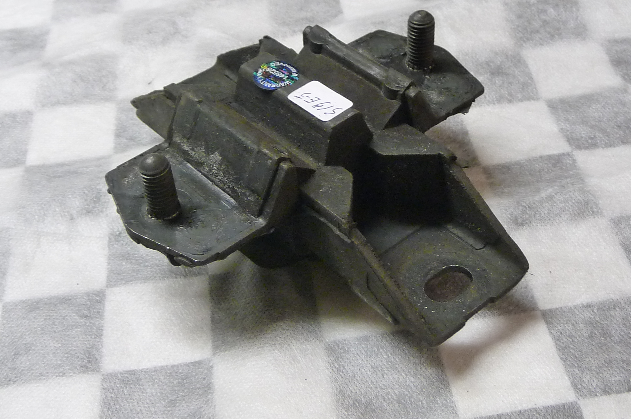 Mercedes Benz W163 ML-Class Engine Suspension Rubber Mounting A1632400318 OEM OE