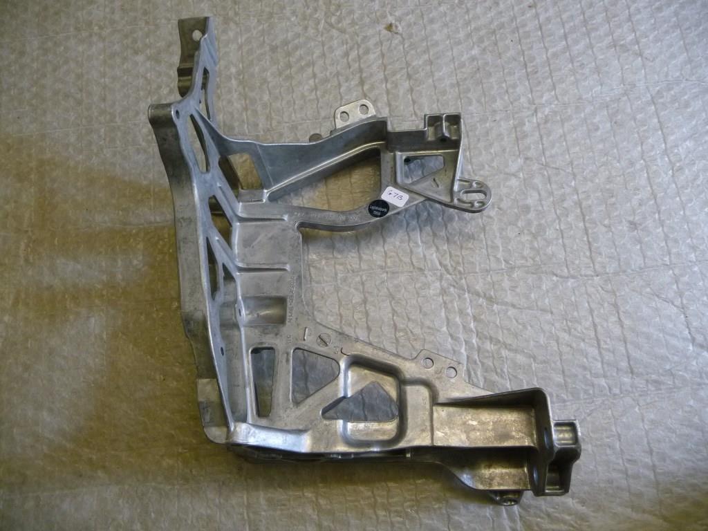 Mercedes Benz W205 C-Class Left Headlight Support Bracket A2056221600 OEM OE