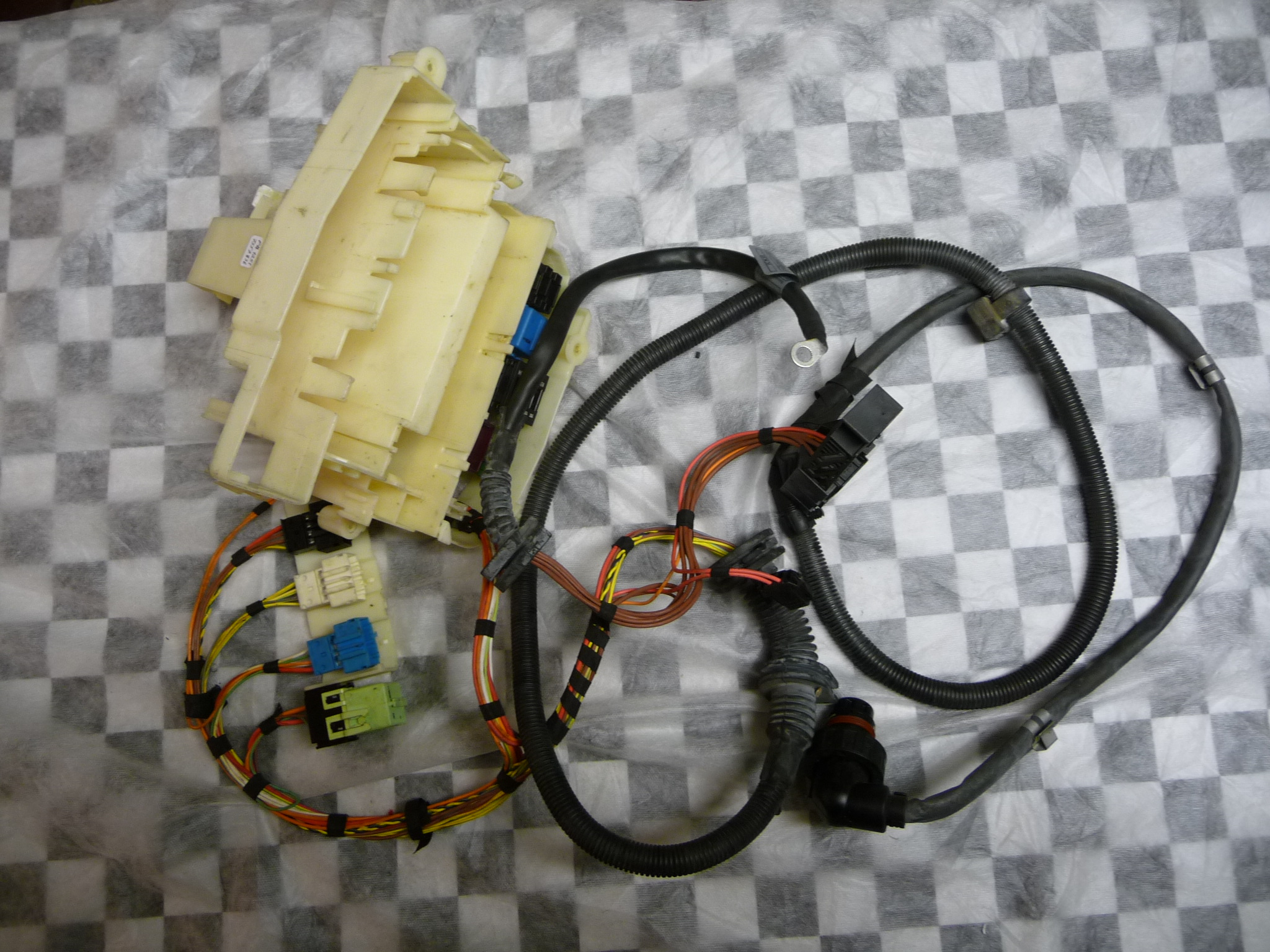bmw 5 series e60 525i 530i engine transmission wiring ... 2007 bmw 530i fuse box diagram wiring schematic #14