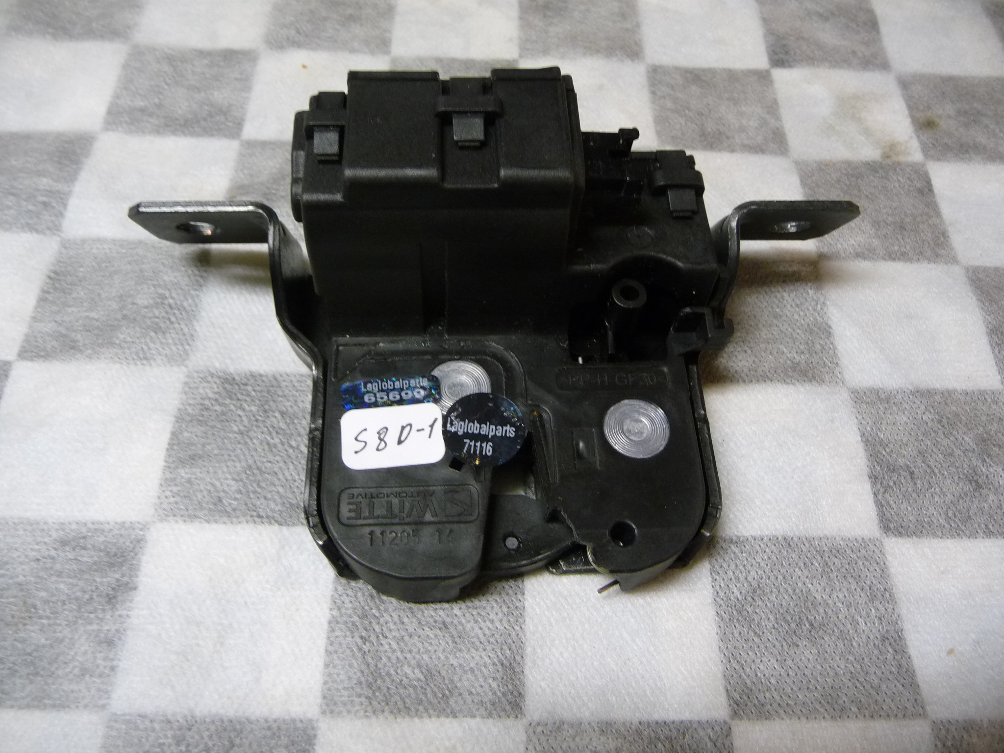 2014 2015 2016 2017 BMW i3 Tailgate Closing System Trunk Lid Lock Actuator 51247248075 OEM OE