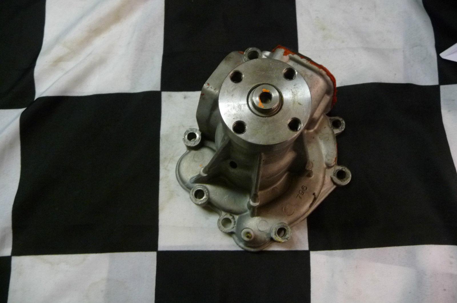 Mercedes Benz 450SL Water Pump A1172003801 ; 1172000801; 1172002801 OEM OE