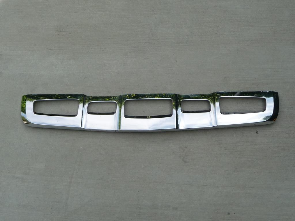 Mercedes Benz W253 GLC Class Front Bumper Chrome Diffuser Cover 2538851725 OEM