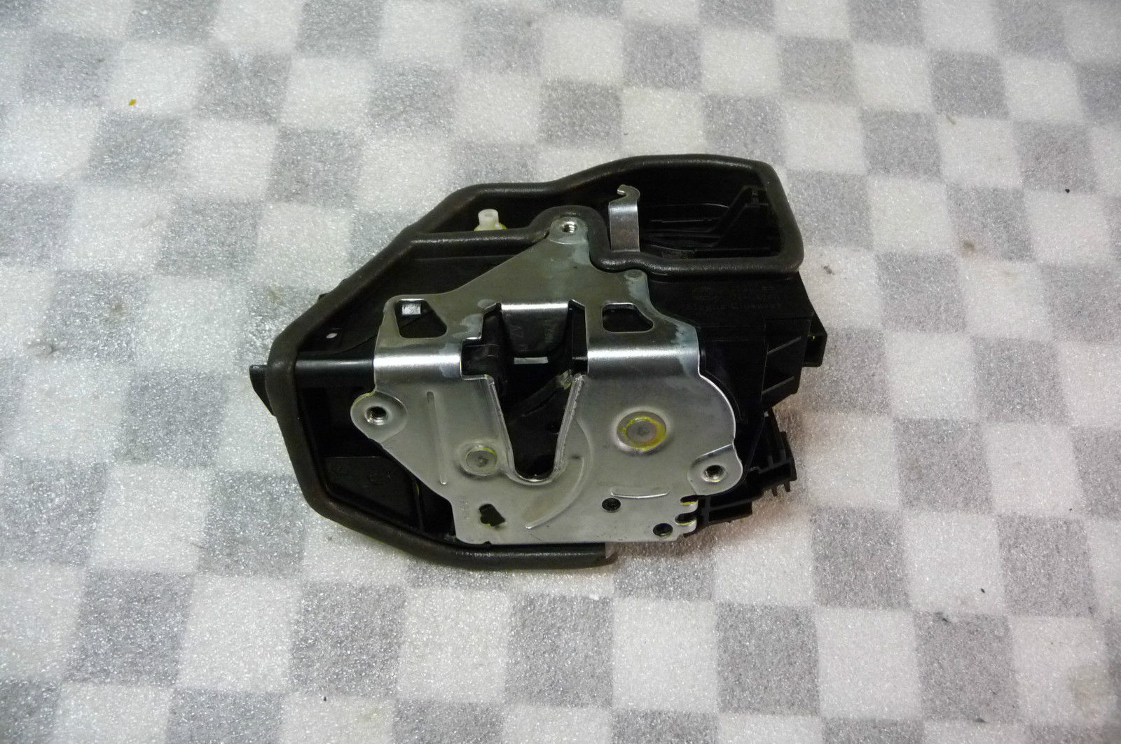 BMW X3 X5 X6 Front Left Door Lock Locking System Latch 51217318419 OEM OE