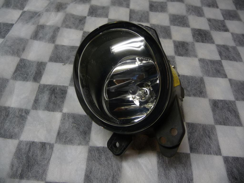 Mercedes Benz C CL E GL ML S Front Right Passenger Fog Light A2518200856 OEM A1