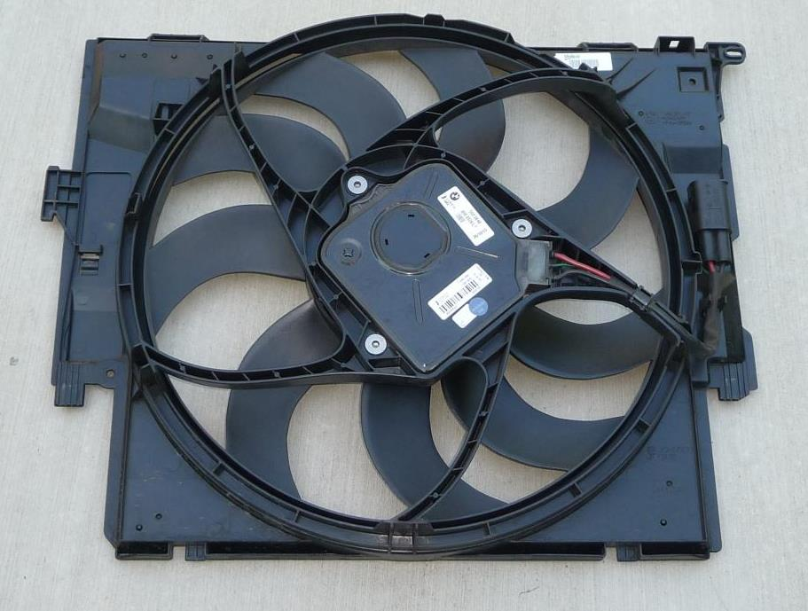 BMW 1 3 4 Series F21 F30 F31 F34 F32 Radiator Cooling Fan 600W 7640511 OEM A1