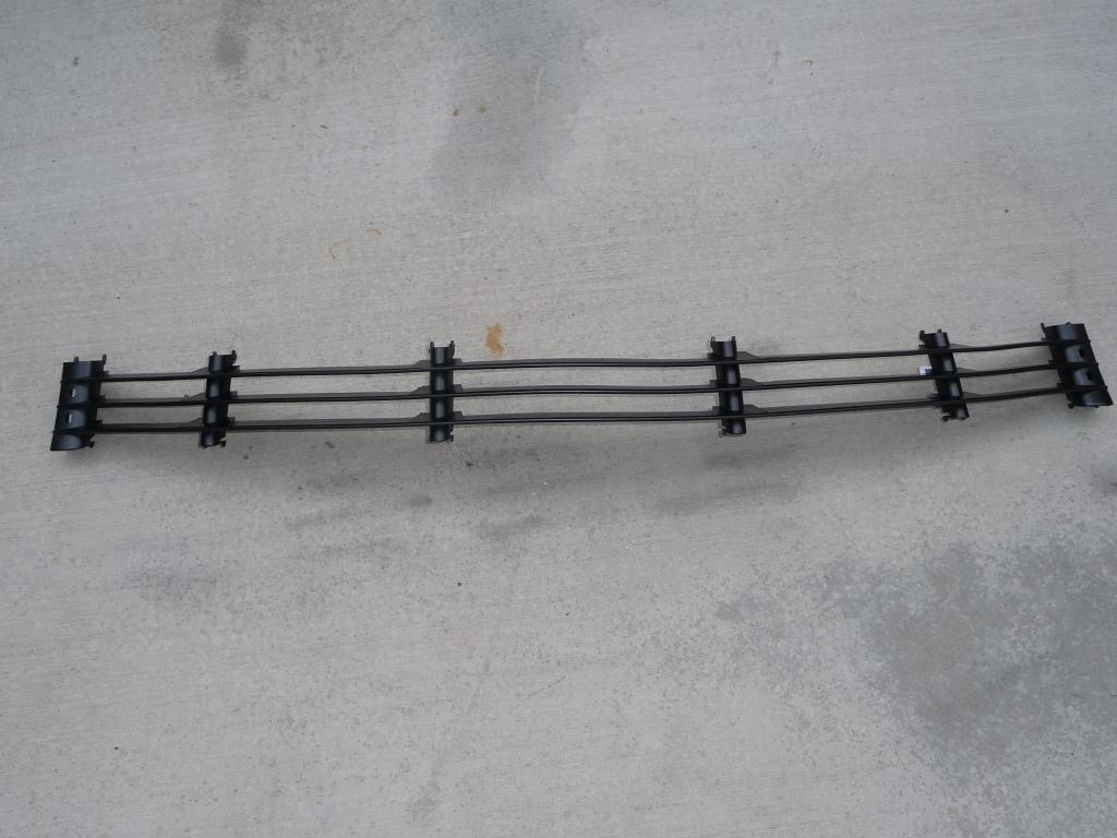 BMW 7 Series E38 Front Bumper Center Grid Grille 51118125325 OEM A1