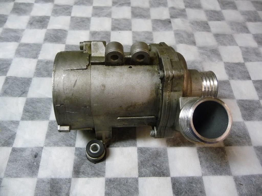 BMW 1 3 5 Series X5 Z4 Engine Water Pump 11517545201 OEM A1