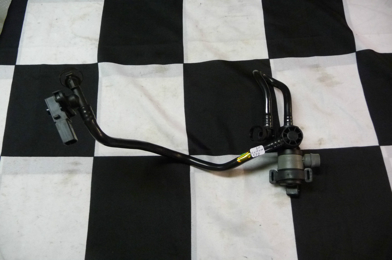 2012 2013 2014 2015 2016 2017 BMW 2 3 4 5 Series X3 Fuel Tank Ventilation Valve With Pipe 13907636145 OEM OE