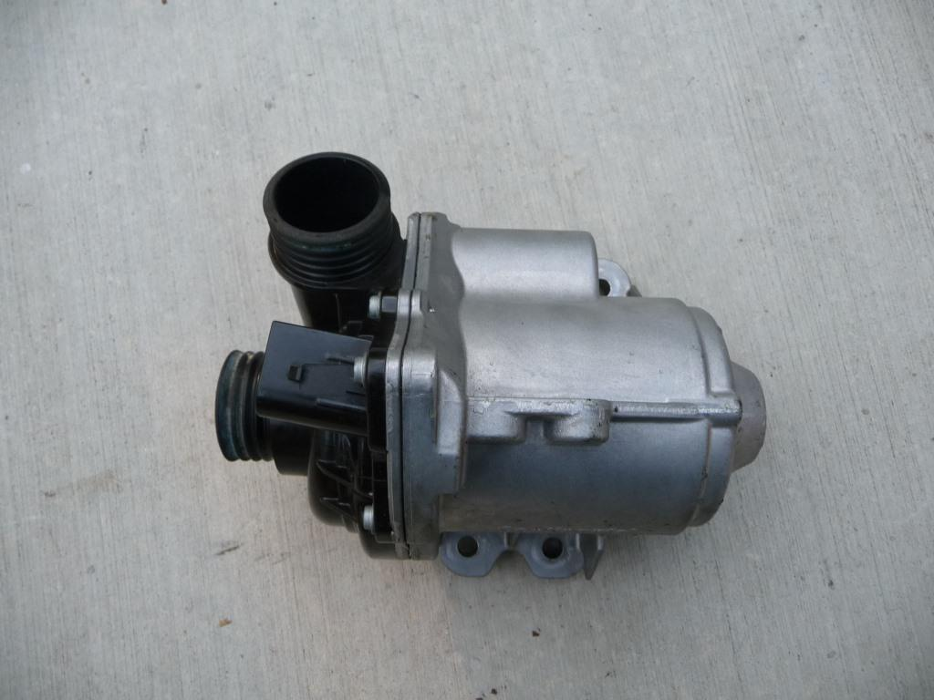 BMW Water Engine Coolant Electric Water Pump 11517632426 ; 11517588885 OEM OE