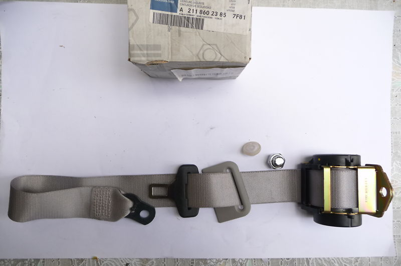 Mercedes Benz E Class W211 Seat Belt Rear Central 2118602385 7F81 New OEM OE