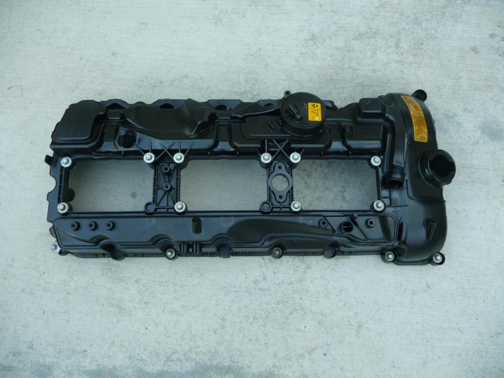 BMW 1 3 5 6 7 Series Engine Cylinder Head Top Valve Cover 11127570292 OEM A1