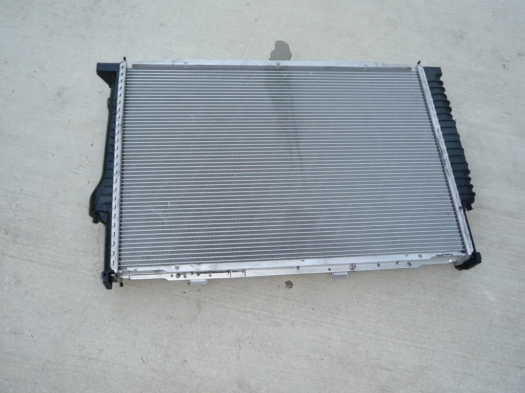 BMW 5 7 8 Series Cooling Radiator 17112242138 OEM A1