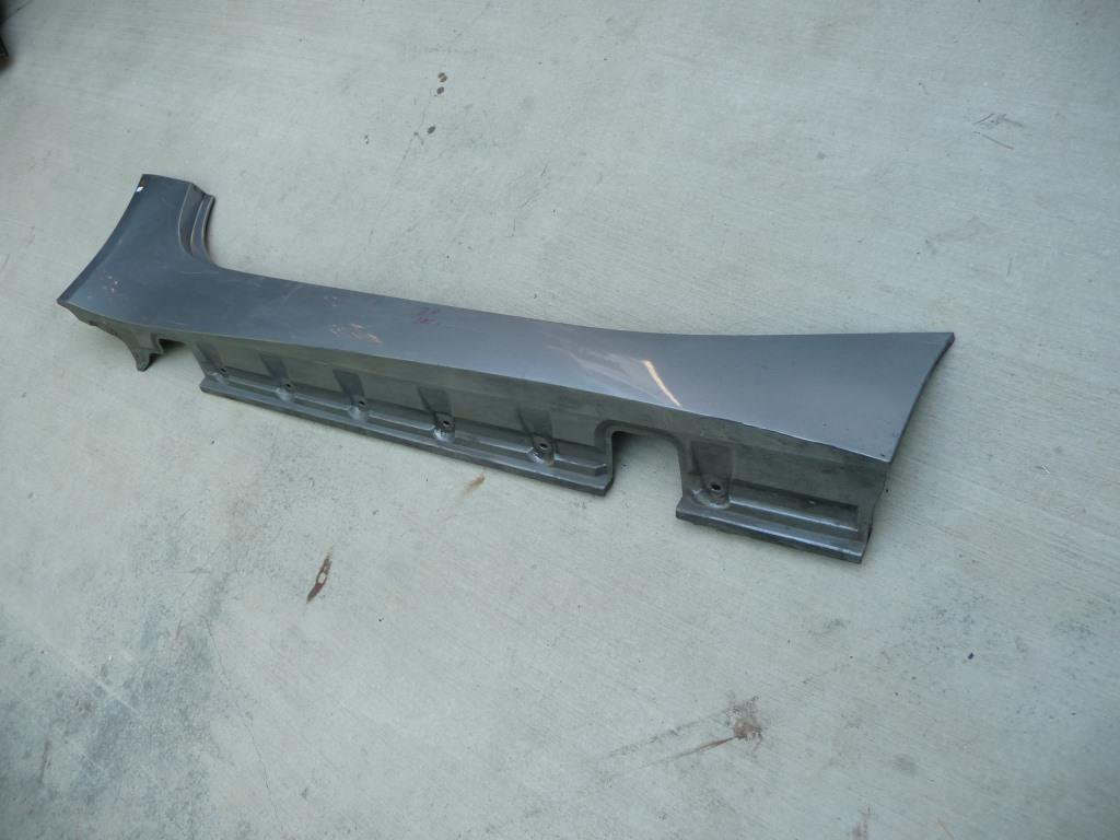 2003 2004 2005 2006 2007 2008 03 04 05 06 07 08 BMW Z4 Right Passenger Side Rocker Panel Molding 51717016530 OEM A1