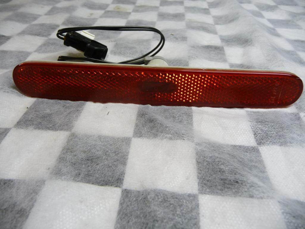 2005 2006 2007 2008 2009 2010 2011 Ferrari F430, 599, 612 Scaglietti Rear Side Marker Light 191504 OEM A1