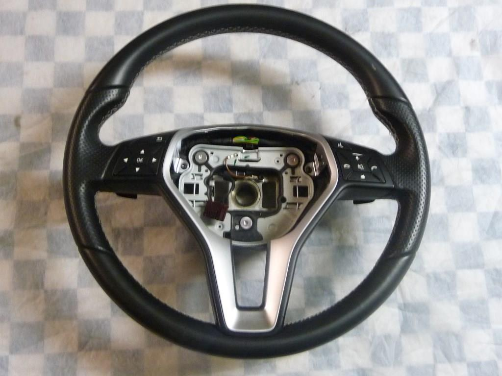 2014 2015 2016 2017 Mercedes Benz CLA250 GLA250 Multifunction Steering Wheel A2184602018 9E38 OEM A1