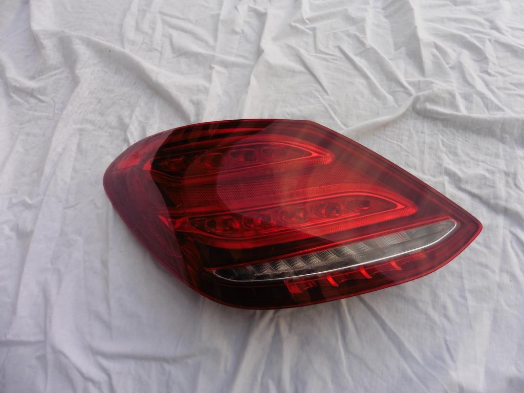 Mercedes Benz W205 C300 C400 C Class Left Driver LED Tail Light Lamp 2059062002, A2059062002 OEM OE