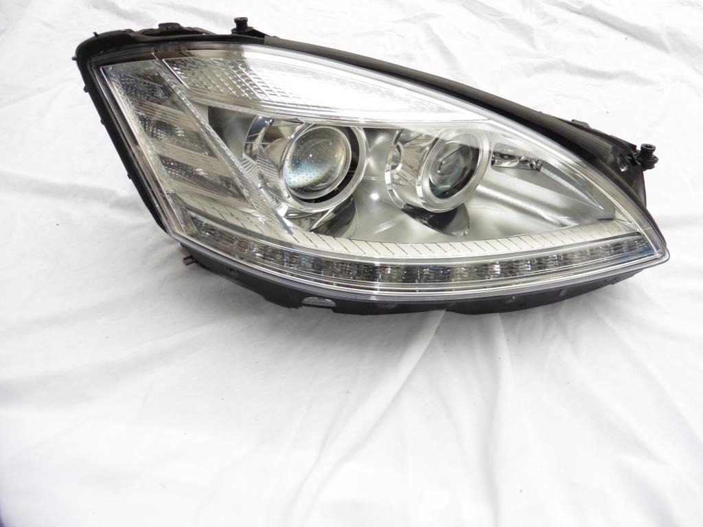 Mercedes Benz W221 S63 S65 Right Passenger Night Vision Headlight 2218202439 OEM