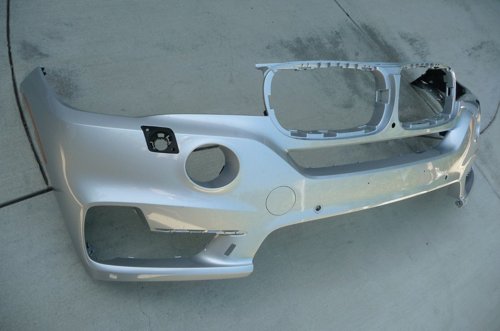 2014 2015 BMW X5 F15 Series with PDC Front Bumper Cover 51117294480 OEM OE