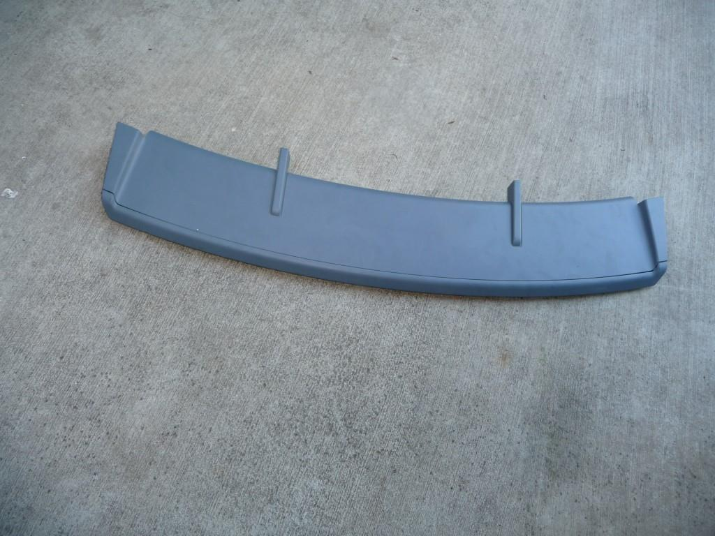 Bentley Sedan Flying Spur rear Bumper Diffuser Lower Spoiler portion 4W0807110