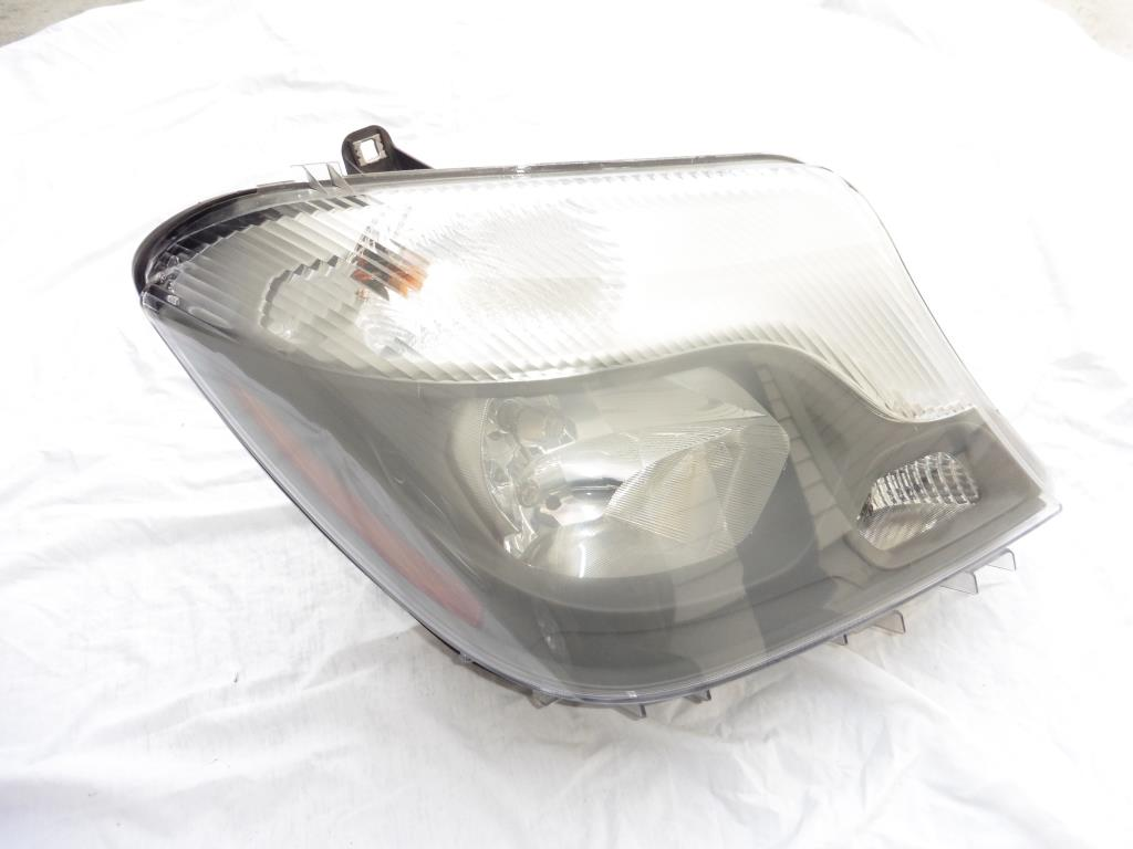 Mercedes Benz Sprinter Front Right Passenger Halogen Headlight 9068202961 OEM OE