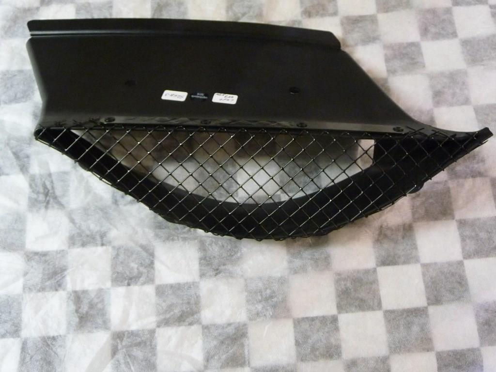 Ferrari 458 Italia Left Rear between rear Spoiler and Quarter Panel Grille Vent Mesh