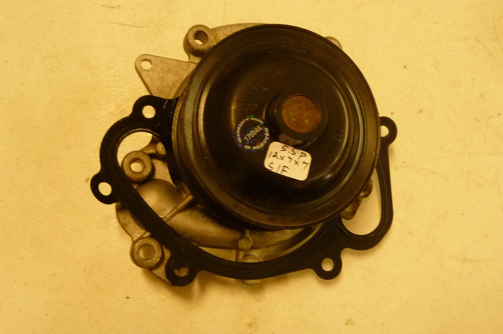 Mercedes Benz E GL ML R S Class Water Pump A 6422001701 OEM OE