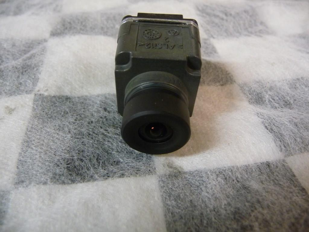 2011 2012 2013 2014 2015 2016 Bentley Mulsanne Side Camera Sensor 3Y0980552 OEM A1