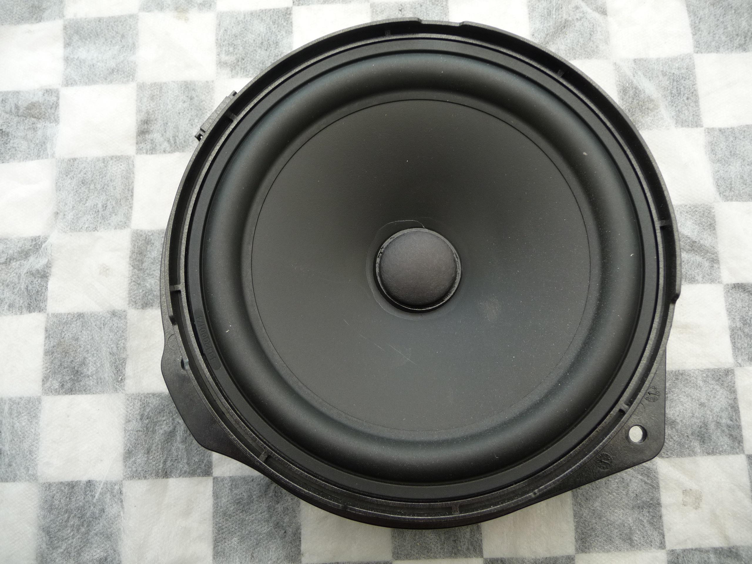 Mercedes Benz C E GLK Class Front Door Speaker A2048205502 OEM A1