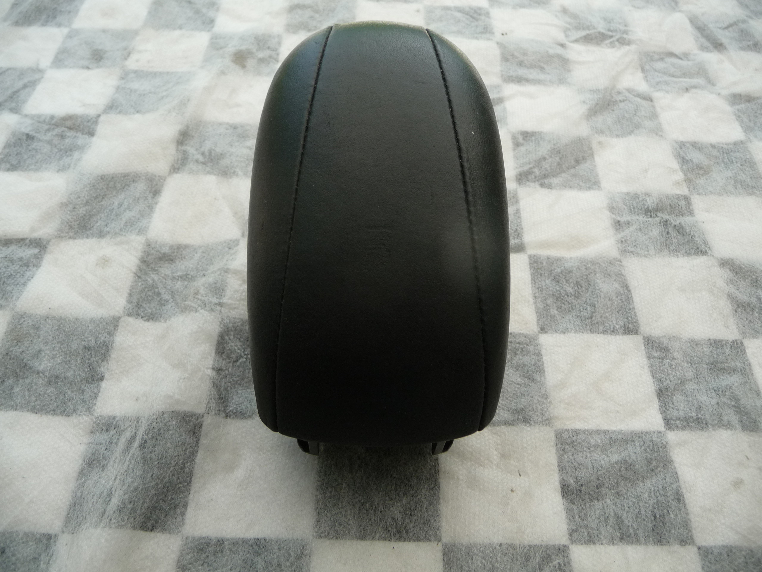 Mercedes Benz W222 S Class Front Console Armrest Black A2226800019 9E38 OEM A1