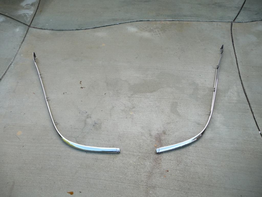 Bentley Mulsanne Rear Bumper Chrome Trim Strip Moulding Molding 3Y5807917, 3Y5807918  OEM OE