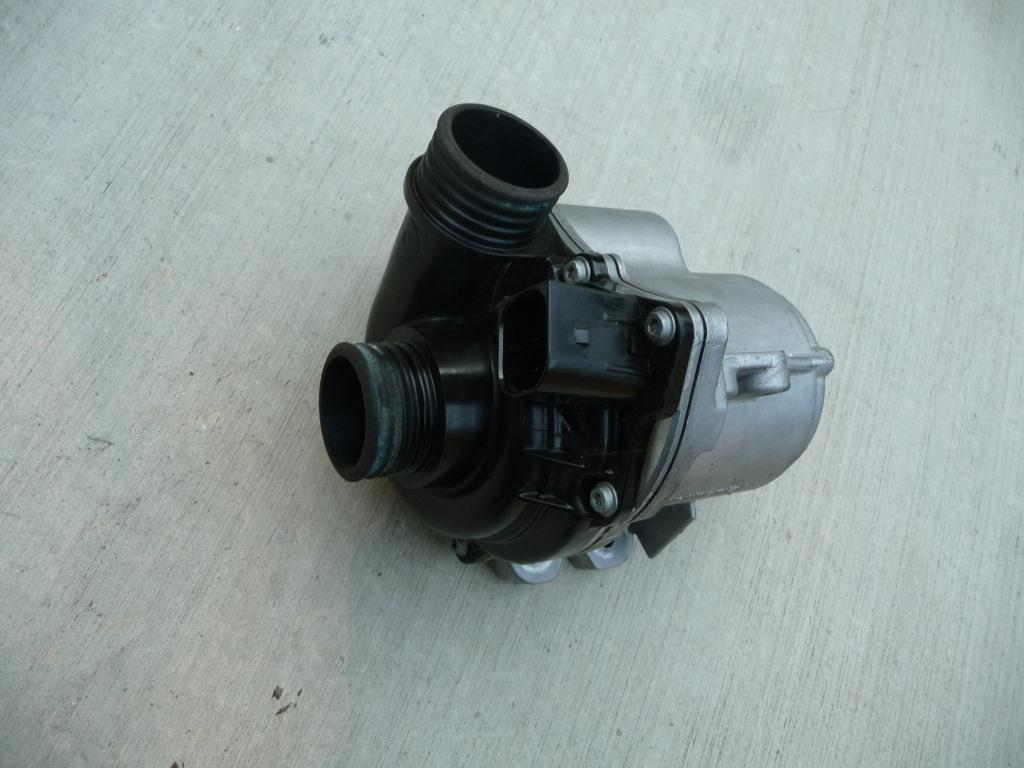 2009 2010 2011 2012 2013 2014 2015 BMW Water Engine Coolant Electric Water Pump 11517632426 ; 11517588885 OEM OE