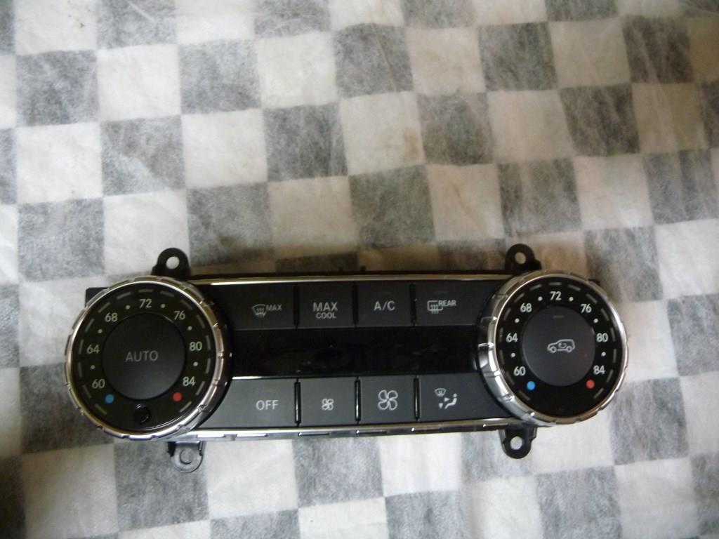 Mercedes Benz GLE Class Temperature Climate Control Unit A1669003317 OEM A1