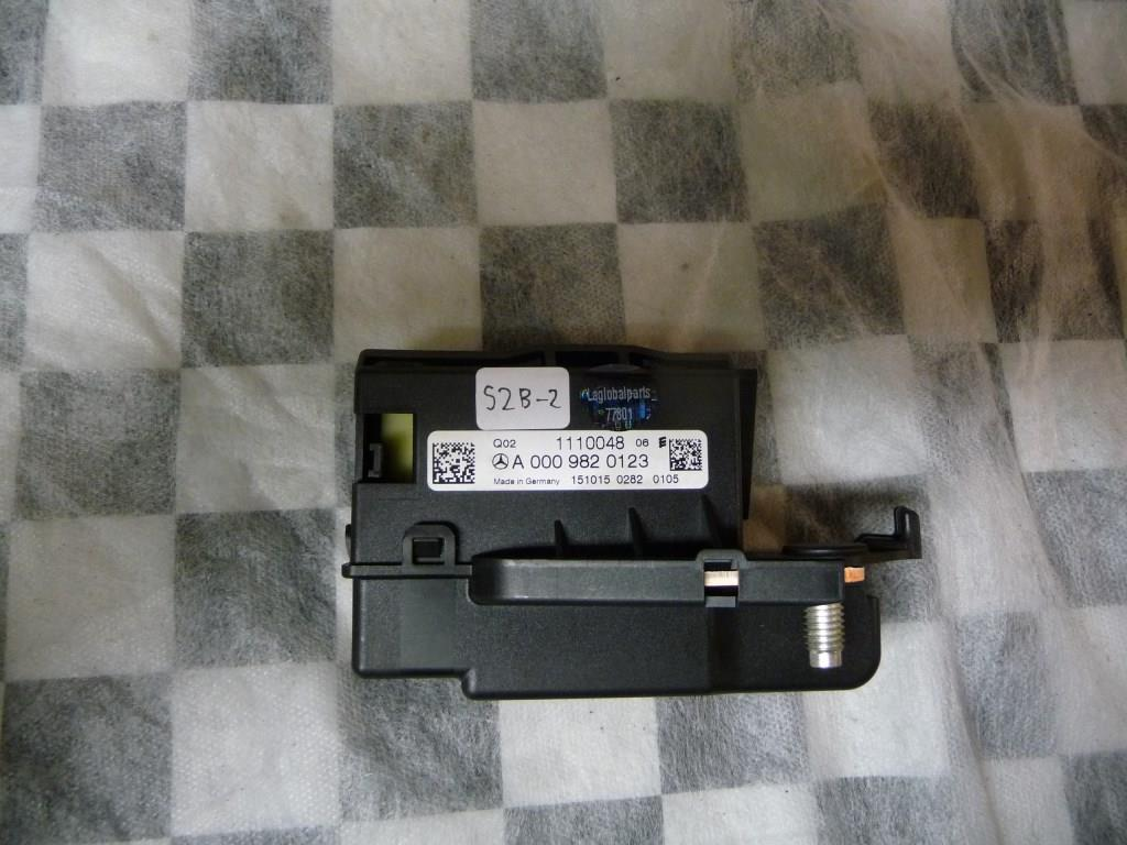 Mercedes Benz GLE Class Fuse & Relay Box A0009820123 OEM A1