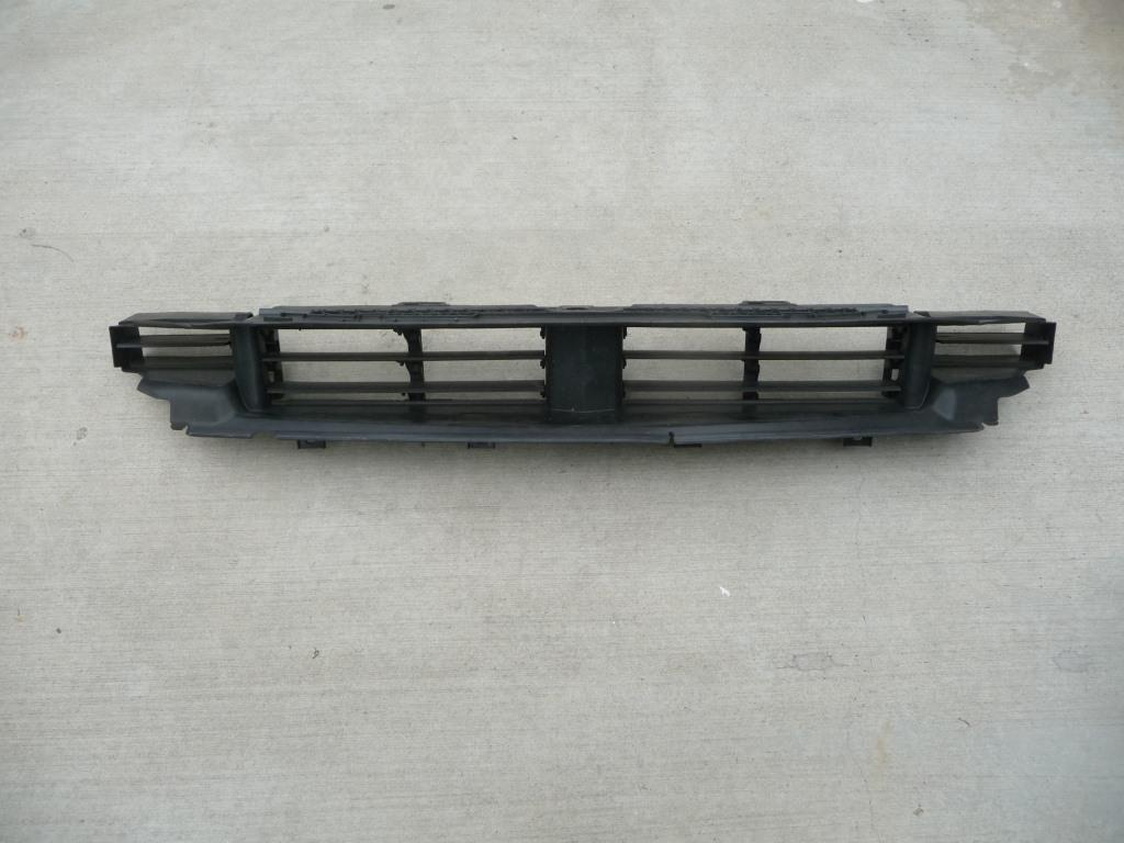 2016 2017 BMW G11 G12 740i 750i Radiator Core Support-Center Duct, Air Flaps, Lower 51748071196 OEM A1