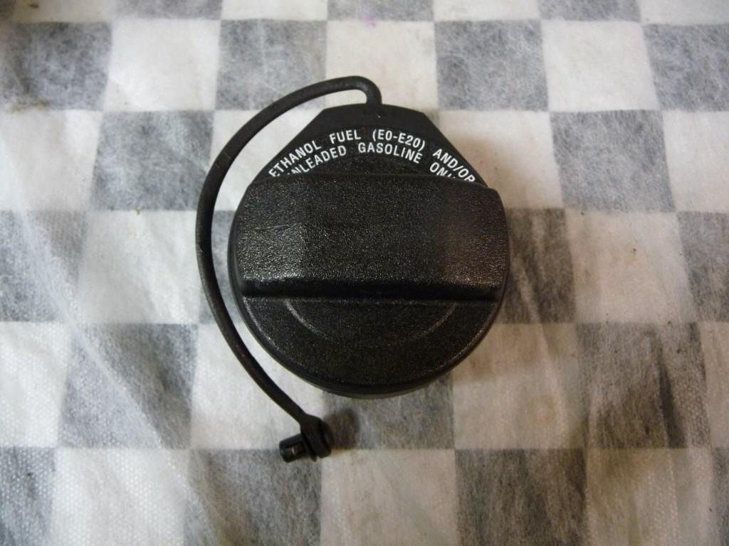 Bentley Continental GTC Cap With Retaining Strap For Fuel Tank 3W0201550R OEM A1